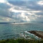 Cabo Menor divisa la lucha entre las nubes y el sol