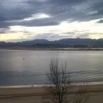 'Amanecer en Santander'. La foto representa la playa de Los Peligros amaneciendo. Autora: Carolina Calleja