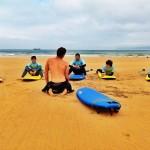 La teórica del surf se aprende sobre la arena