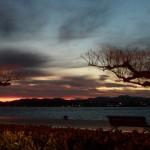 'Santander amanece'. Fue tomada el 31 de diciembre sobre las 8 de la mañana. Se puede ver la bahía desde la carretera y al fondo Somo. Autora: Miriam Alonso
