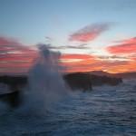 'Temporal vespertino en la Virgen del Mar'. Fotografía de temporal en la Virgen del Mar al atardecer. La hice desde los acantilados aprovechando los últimos rayos del sol. Autor: Rafael Menéndez de Llano