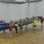 'San José preparando la batalla'. La embarcación San José se dispone a entrar al agua en la rampa de acceso a la bahía de Santander. Autor: Roberto Benavides
