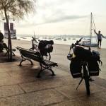 Retrato junto a la bahía de Santander