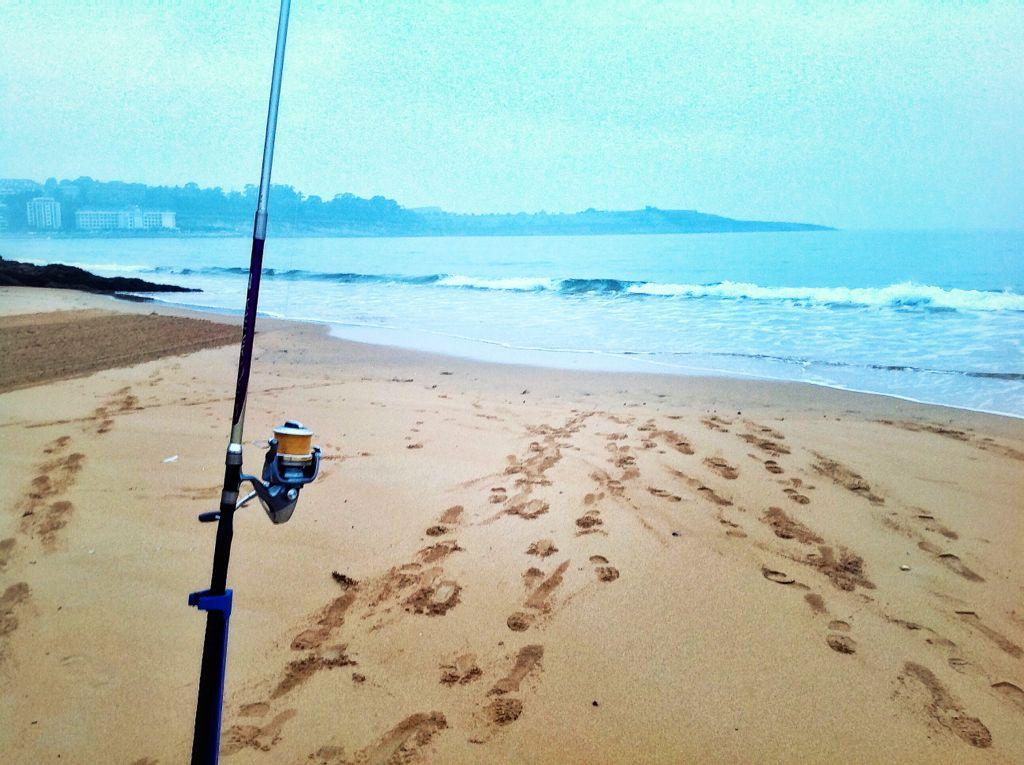 de-pesca-en-la-primera-del-sardinero