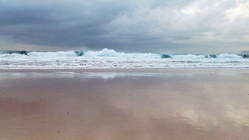 ola-poderosa-sardinero-santander