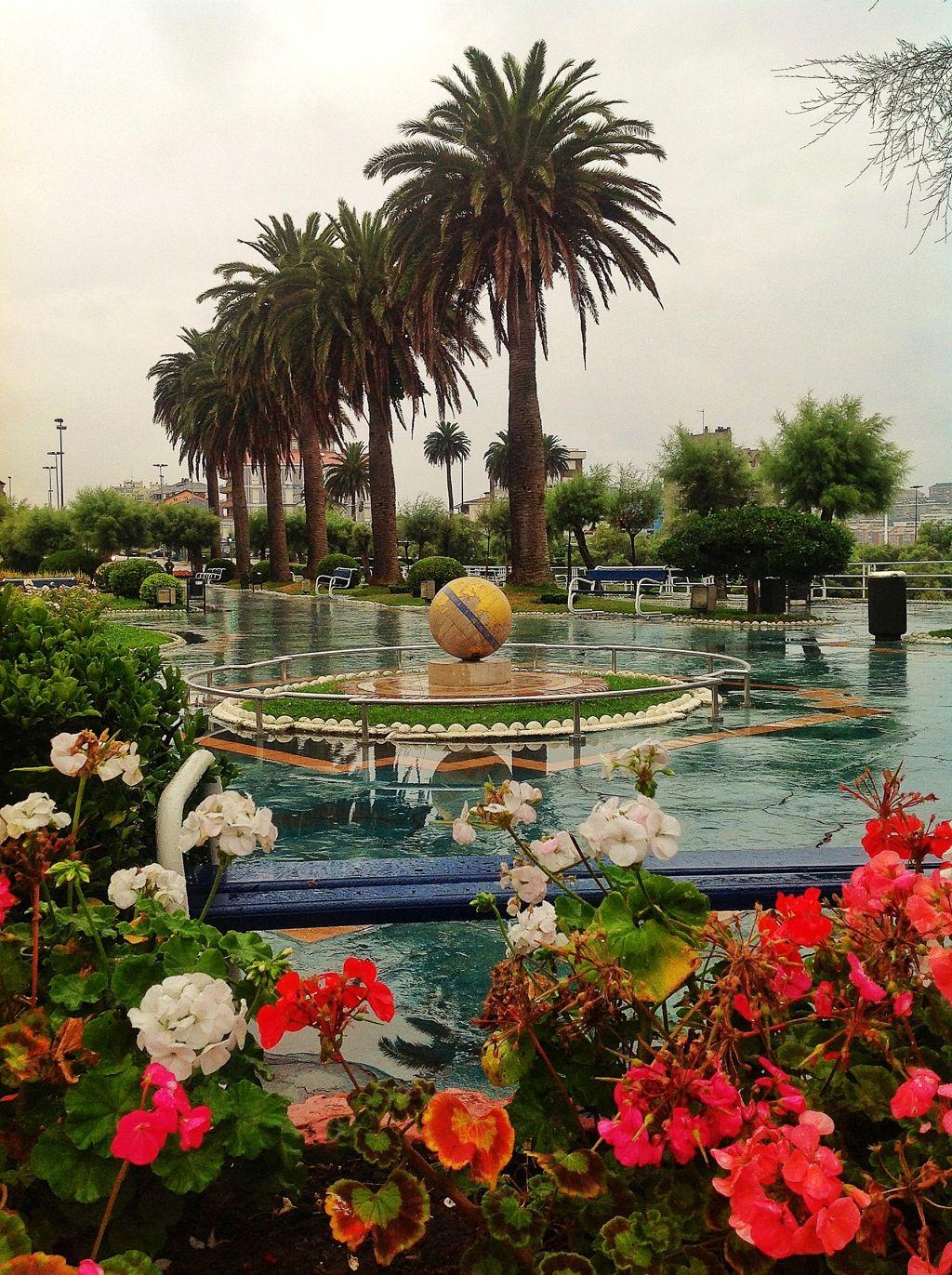 piquio-bola-de-mundo-lluvia