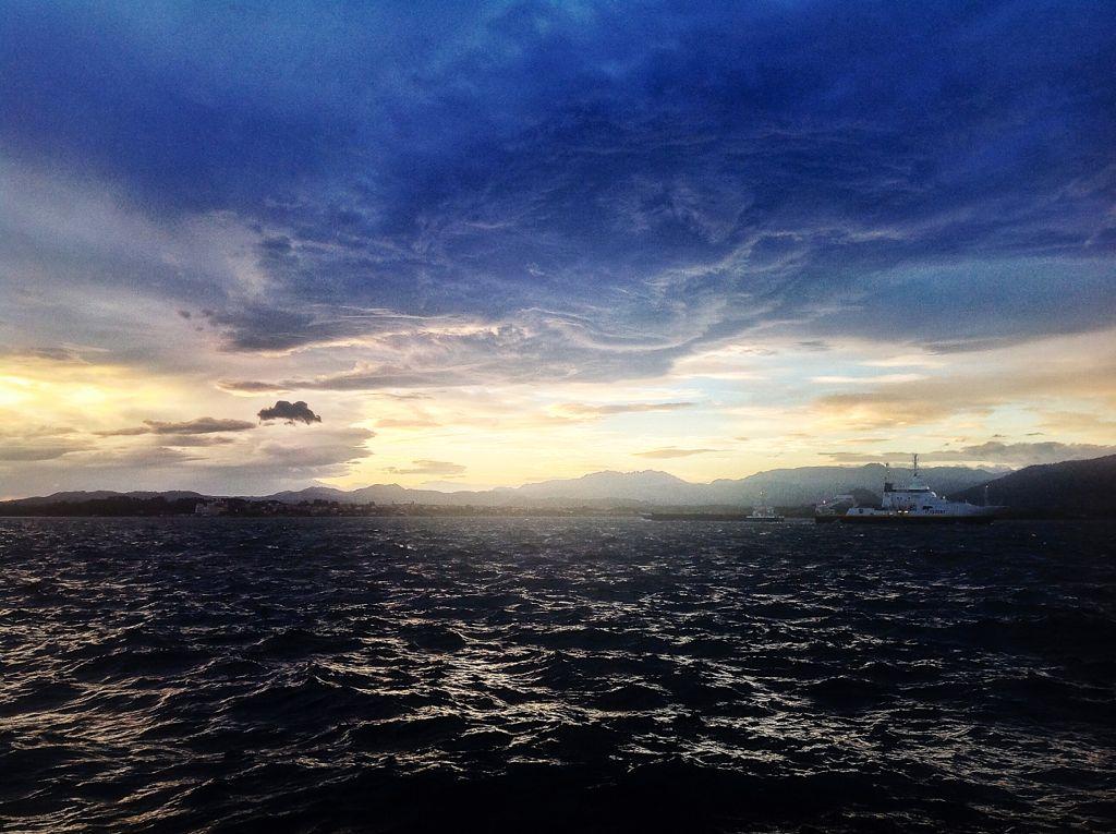 sur-bahia-de-santander-barco