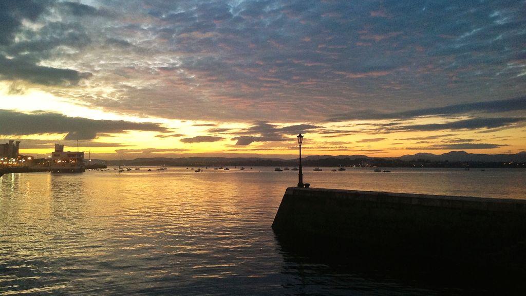 un-mar-de-nubes-en-la-bahia-de-santander