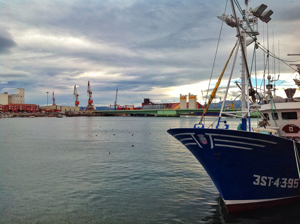 barco-barrio-pesquero-santander