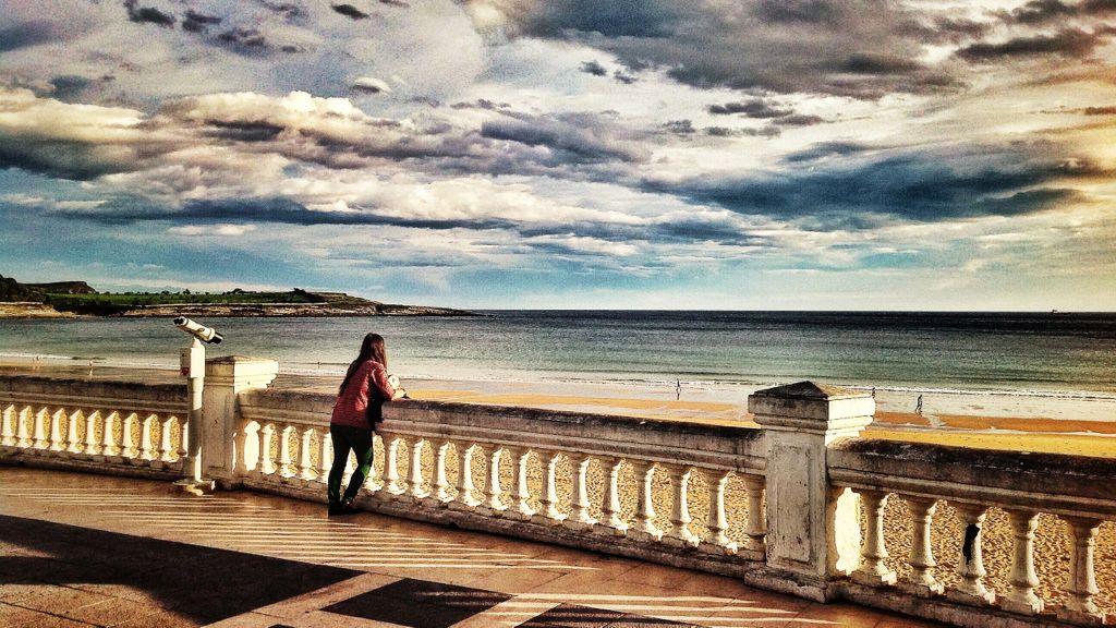 mirando-al-mar-del-sardinero