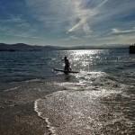 A pasar la tarde remando por la bahía