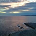 De pesca, al amanecer, en las lastras de Cabo Menor