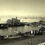 Puertochico en 1947 con los montes nevados de fondo