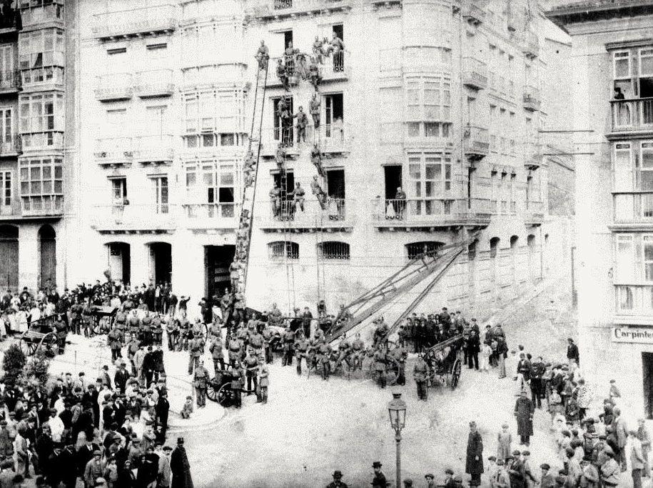 simulacro-incendio-plaza-canadio-1893-santander