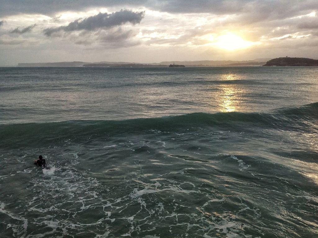 amanecer-surf-muro-chiqui-santander