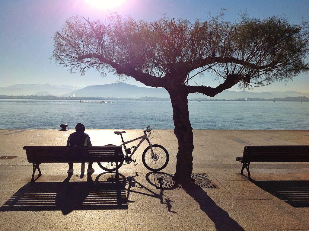 bici-paisano-banco-muelle-calderon-santander