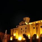 Catedral y luna