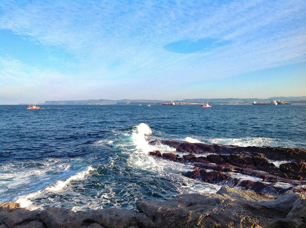 faenar-sardinero-barcos-pesqueros