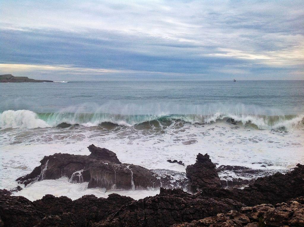 olas-rompen-magdalena-santander