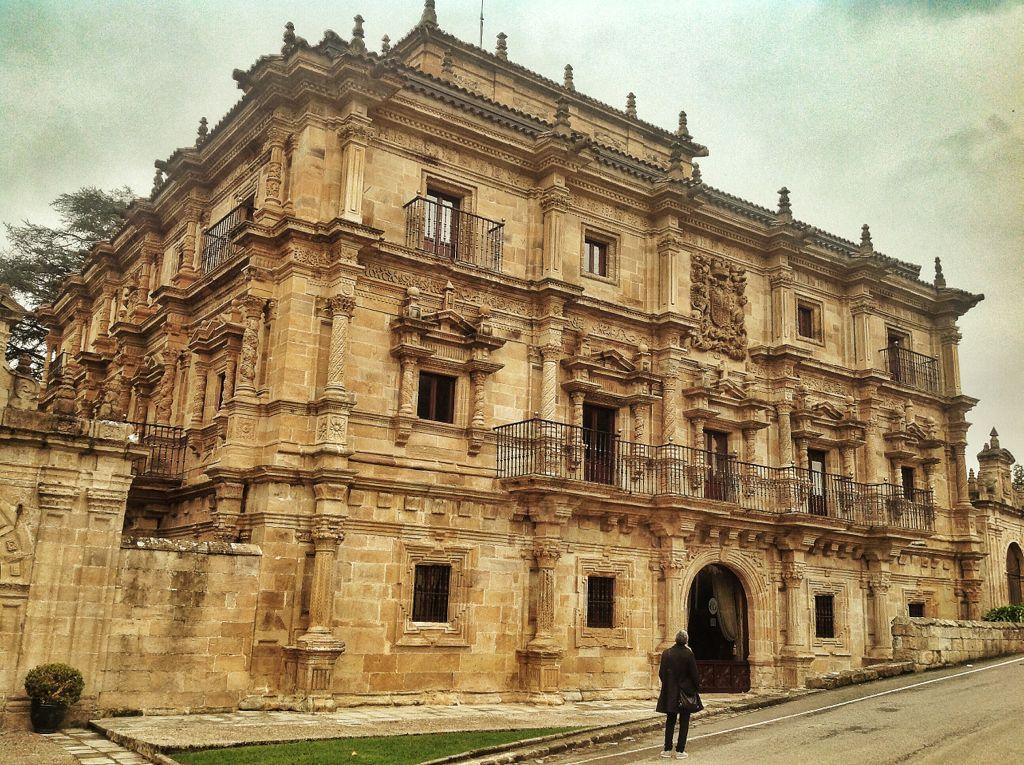 palacio-soñanes-fachada