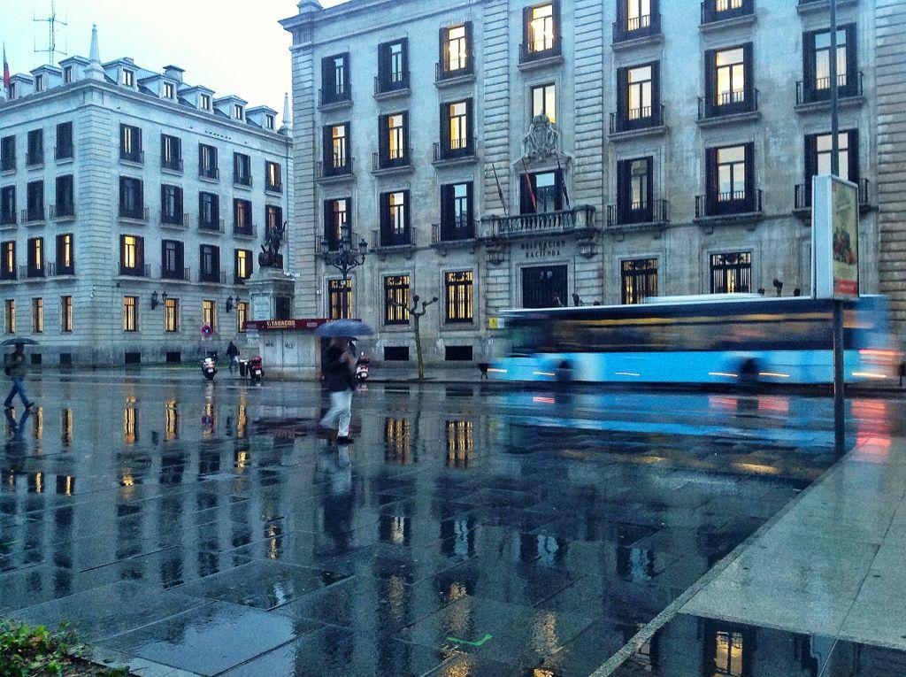 paseo-pereda-lluvia-color