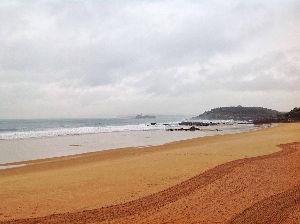 primera-del-sardinero-temporal-planchada-arena