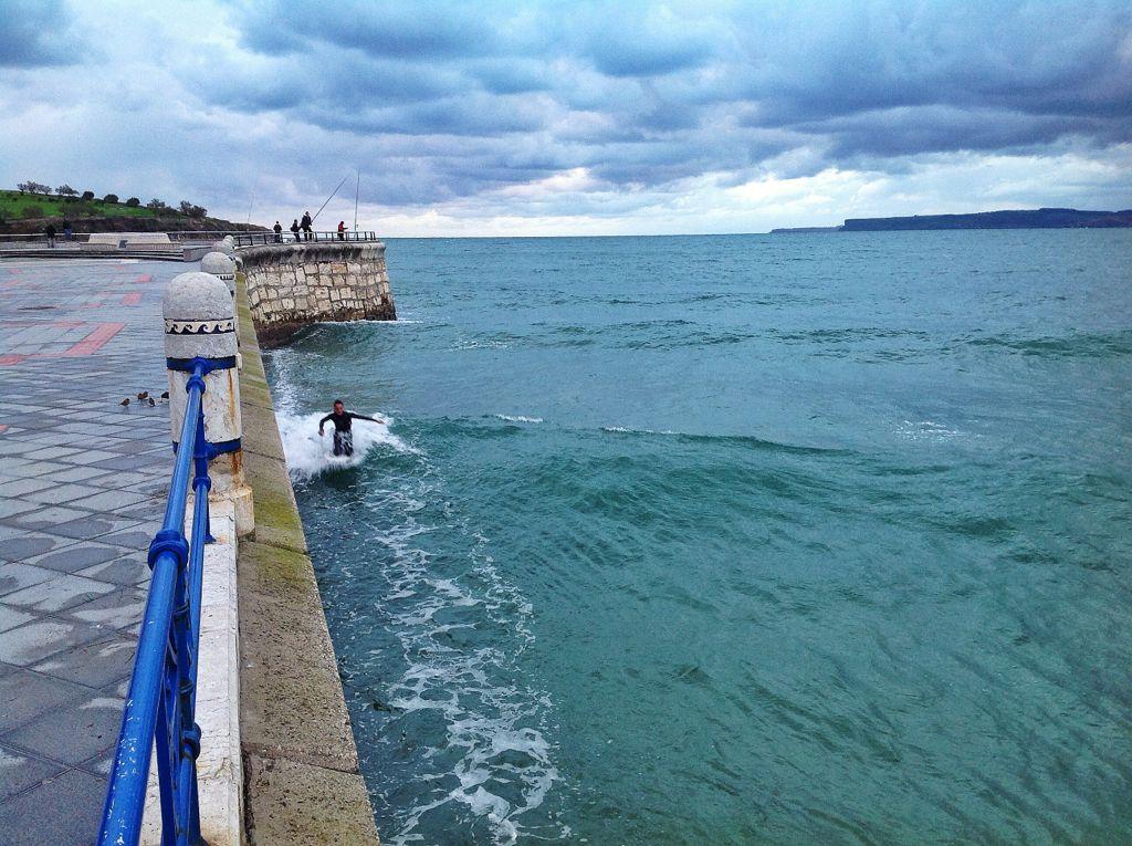 surf-el-muro-sardinero-ola