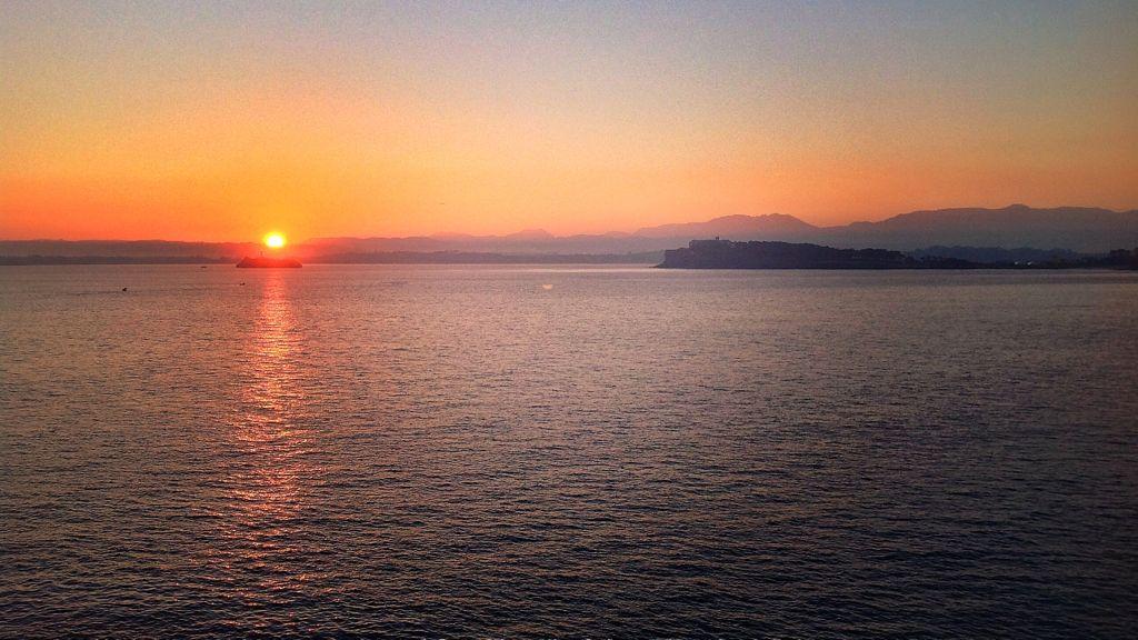 amanecer-isla-mouro-cabo-menor