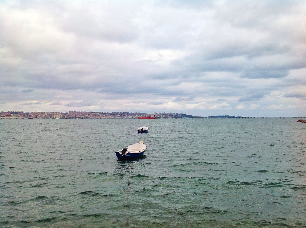 barco-pantalan-elechas