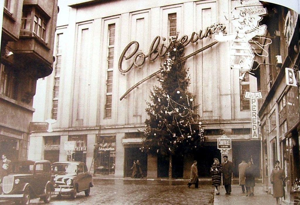 cine-coliseum-arbol-navidad