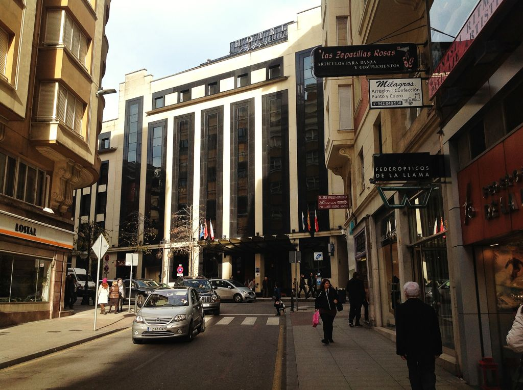 cine-coliseum-hotel