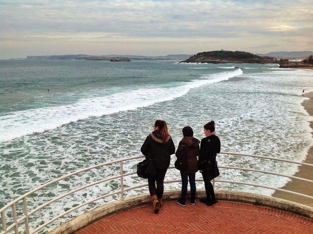 mirando-al-surf-santander-sardinero