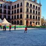 Patinar sobre hielo bajo un sol espléndido