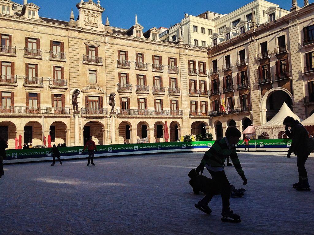 pista-hielo-santander-plaza-porticada