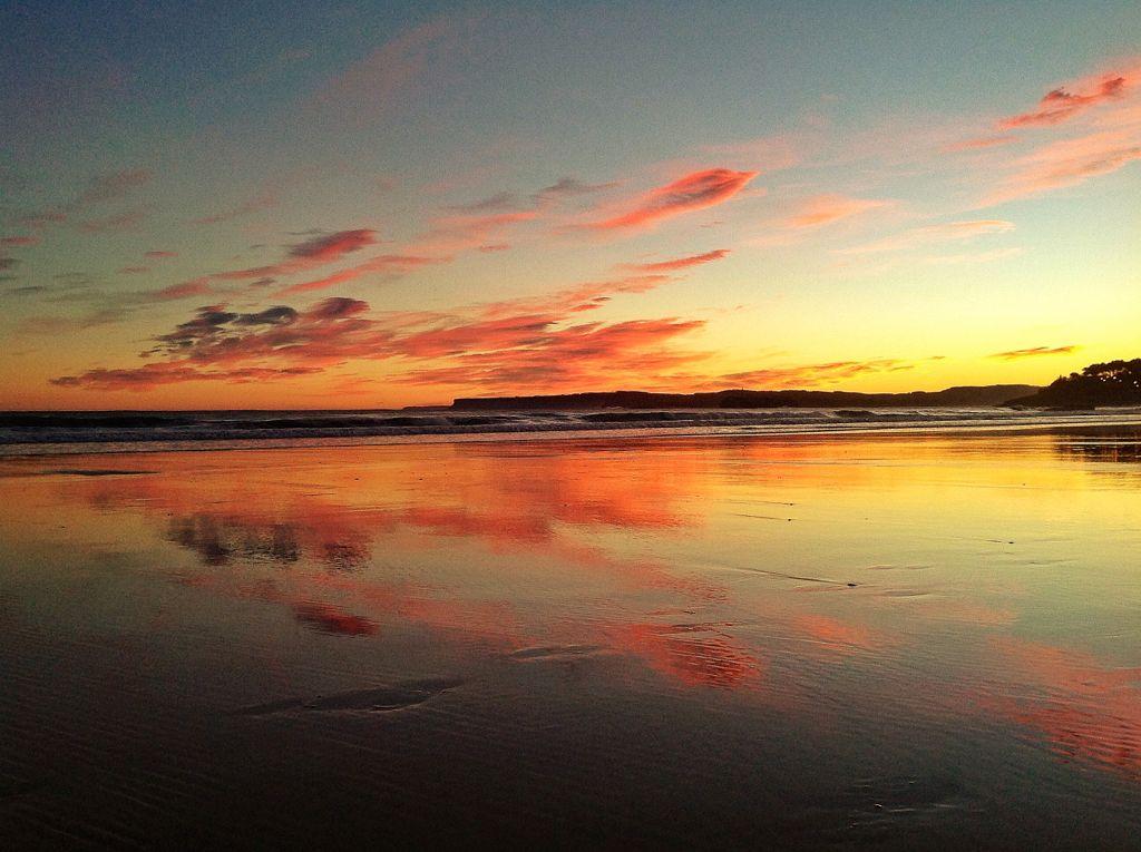 sardinero-amanecer-nubes-arena
