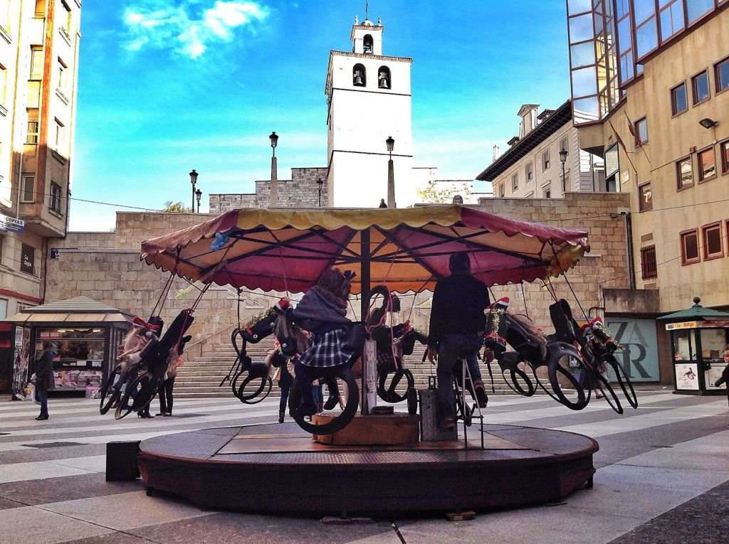 tiovivo-pedales-catedral-santander