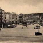 La plaza de Alfonso XIII antes de la construcción del hotel Bahía y la Porticada