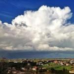 Una nube que nos hace pequeños
