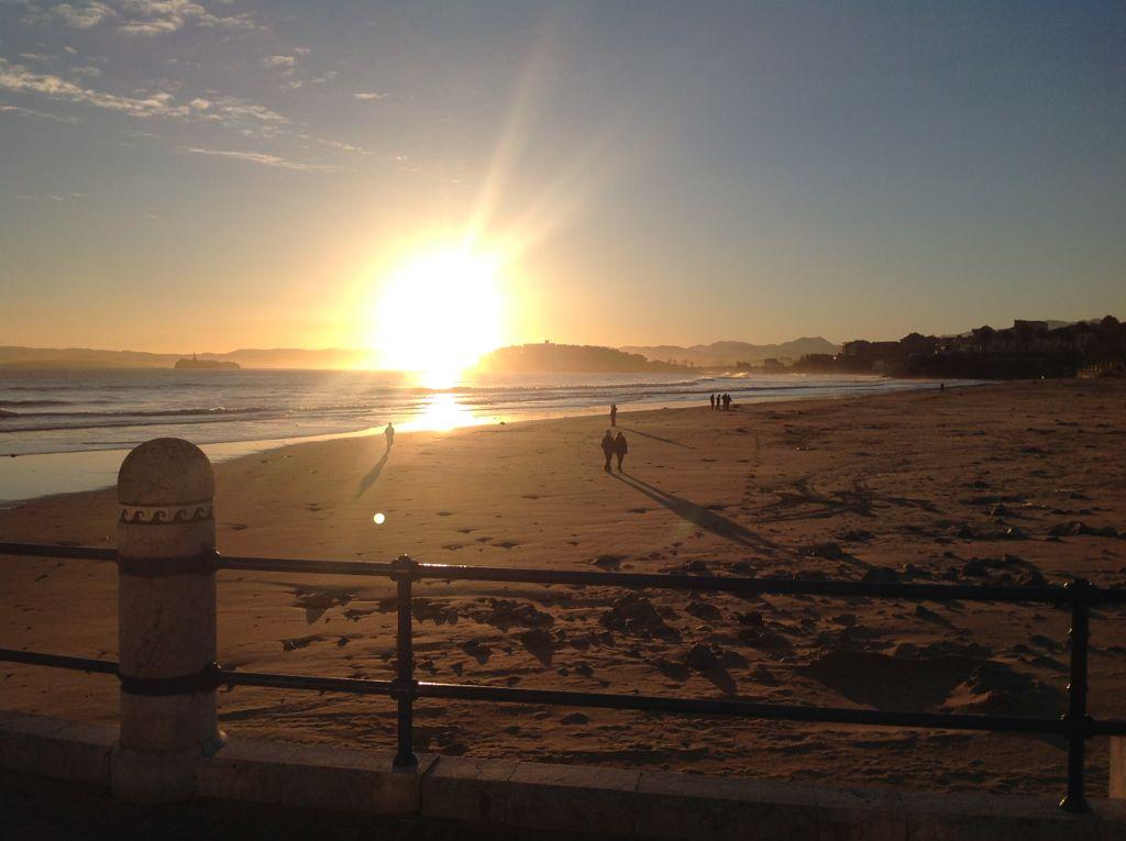 amanecer-segunda-sardinero-sol-bola-fuego