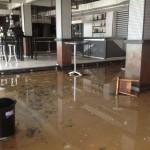 Destrozos del temporal. El Buenas Noches Santander completamente inundado