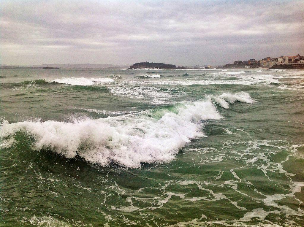 olas-juguetonas-santander