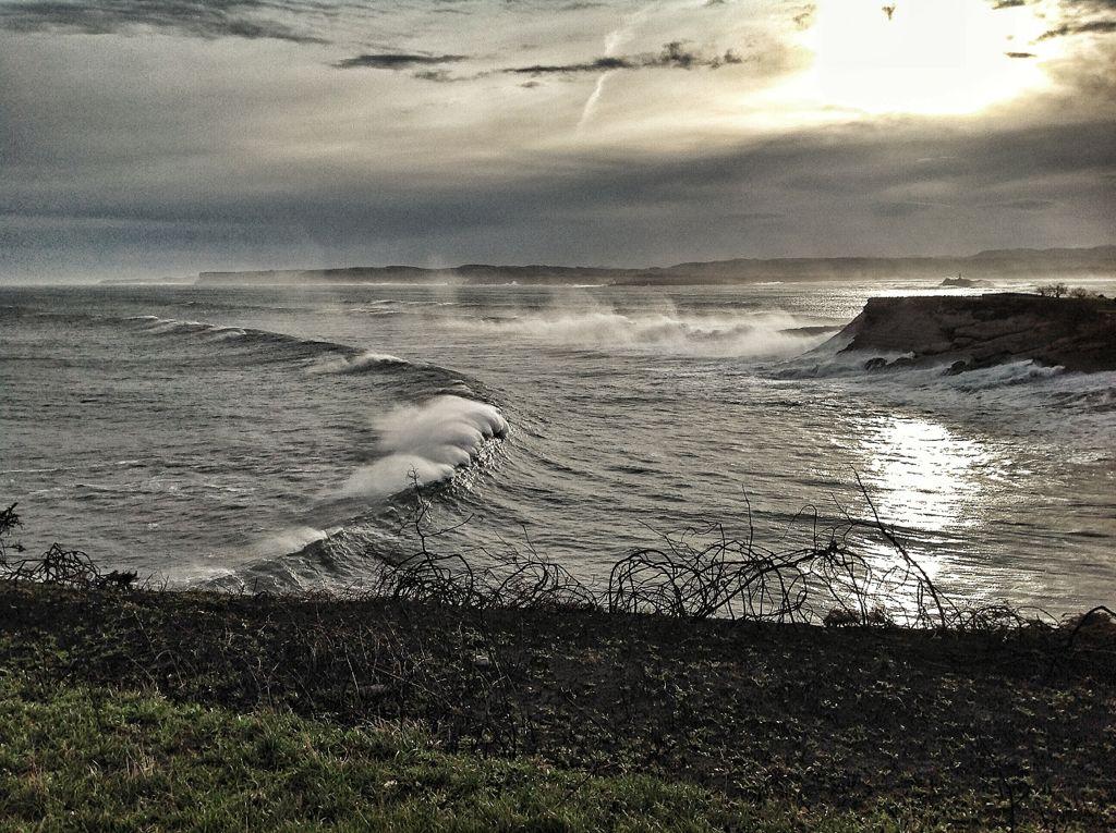 olas-trepan-cabo-menor-sardinero