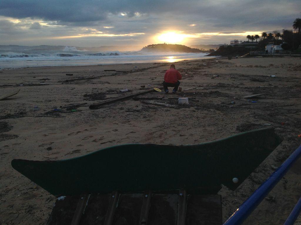 temporal-destrozos-sardinero-columpios-playa