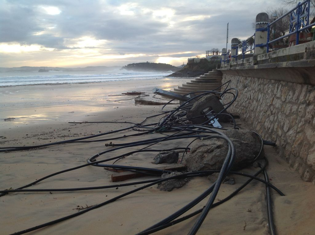 temporal-destrozos-sardinero-tuberias-playa