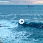 Y de la nada surge una ola