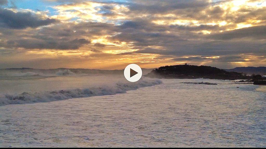 video-olas-poderosas-sardinero