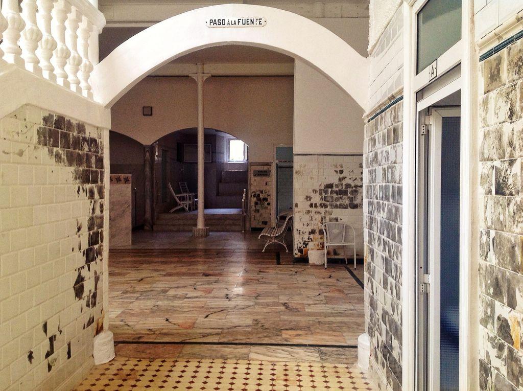 balneario-las-caldas-besaya-entrada-fuente