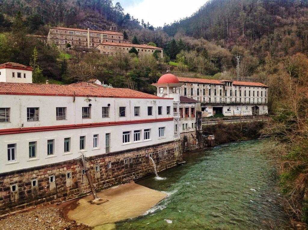 balneario-las-caldas-besaya-rio