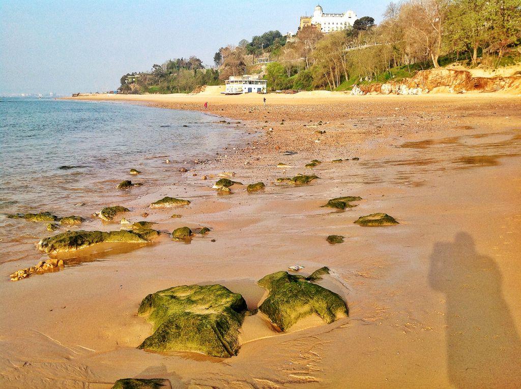 playa-magdalena-rocas