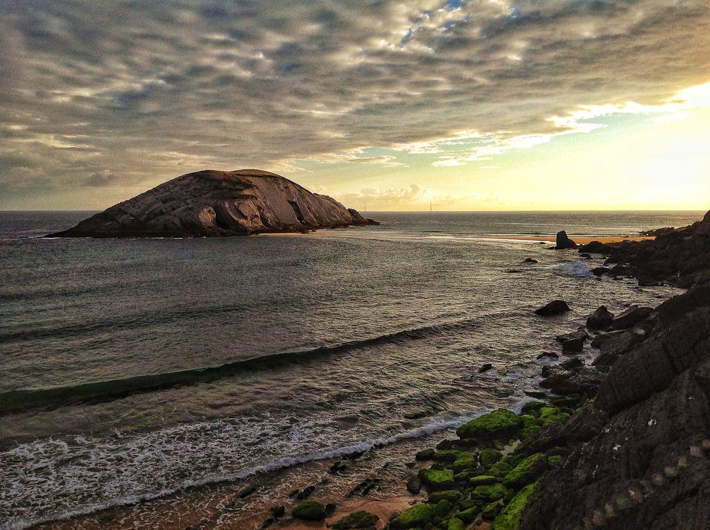 covachos-cantabria-amanecer